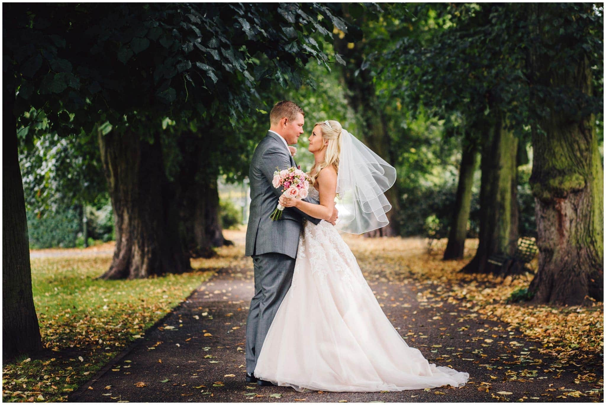 blithfield-lakeside-barns-wedding-photographer-beckythomas-241