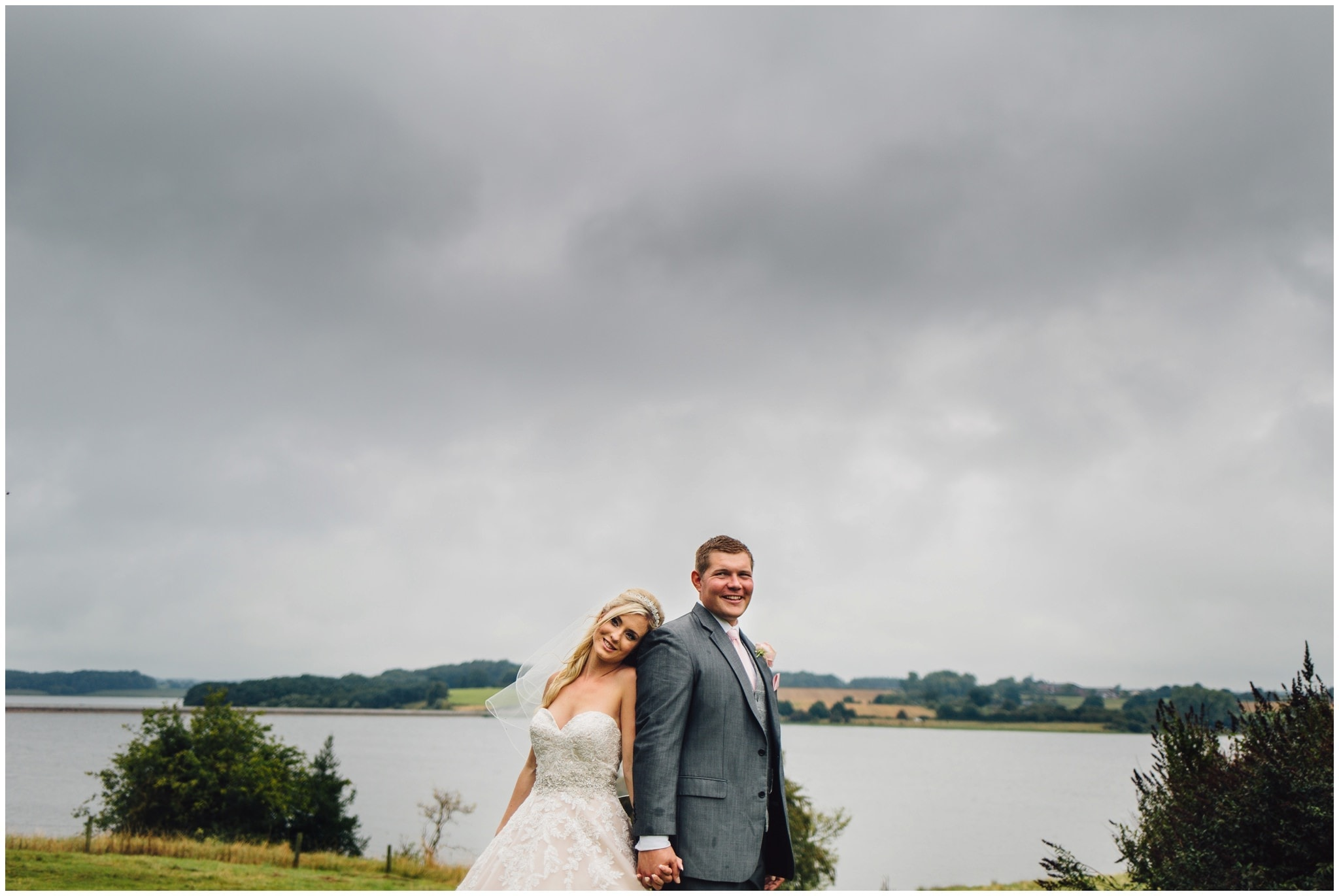 blithfield-lakeside-barns-wedding-photographer-beckythomas-341