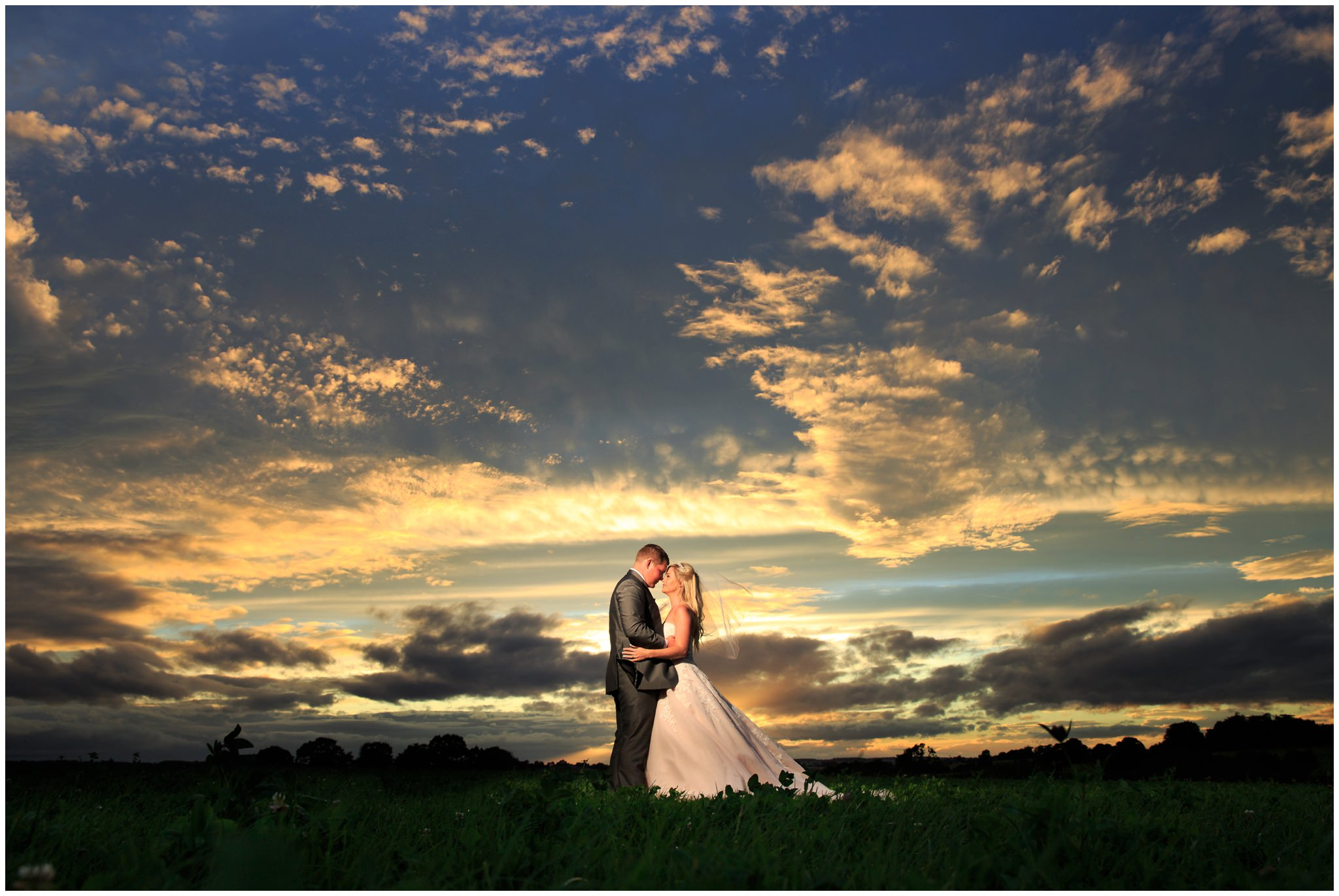 blithfield-lakeside-barns-wedding-photographer-beckythomas-445