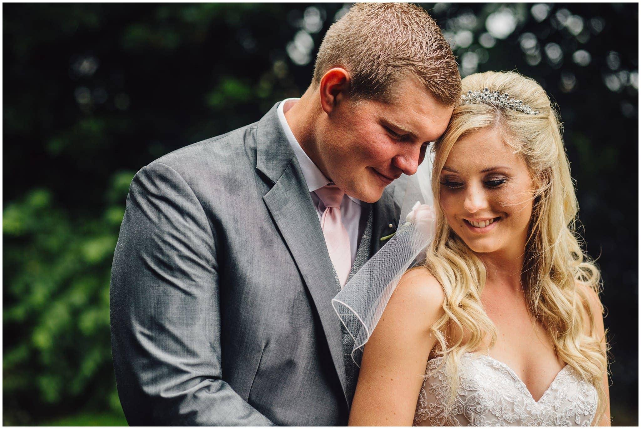 blithfield-lakeside-barns-wedding-photographer-beckythomas-331