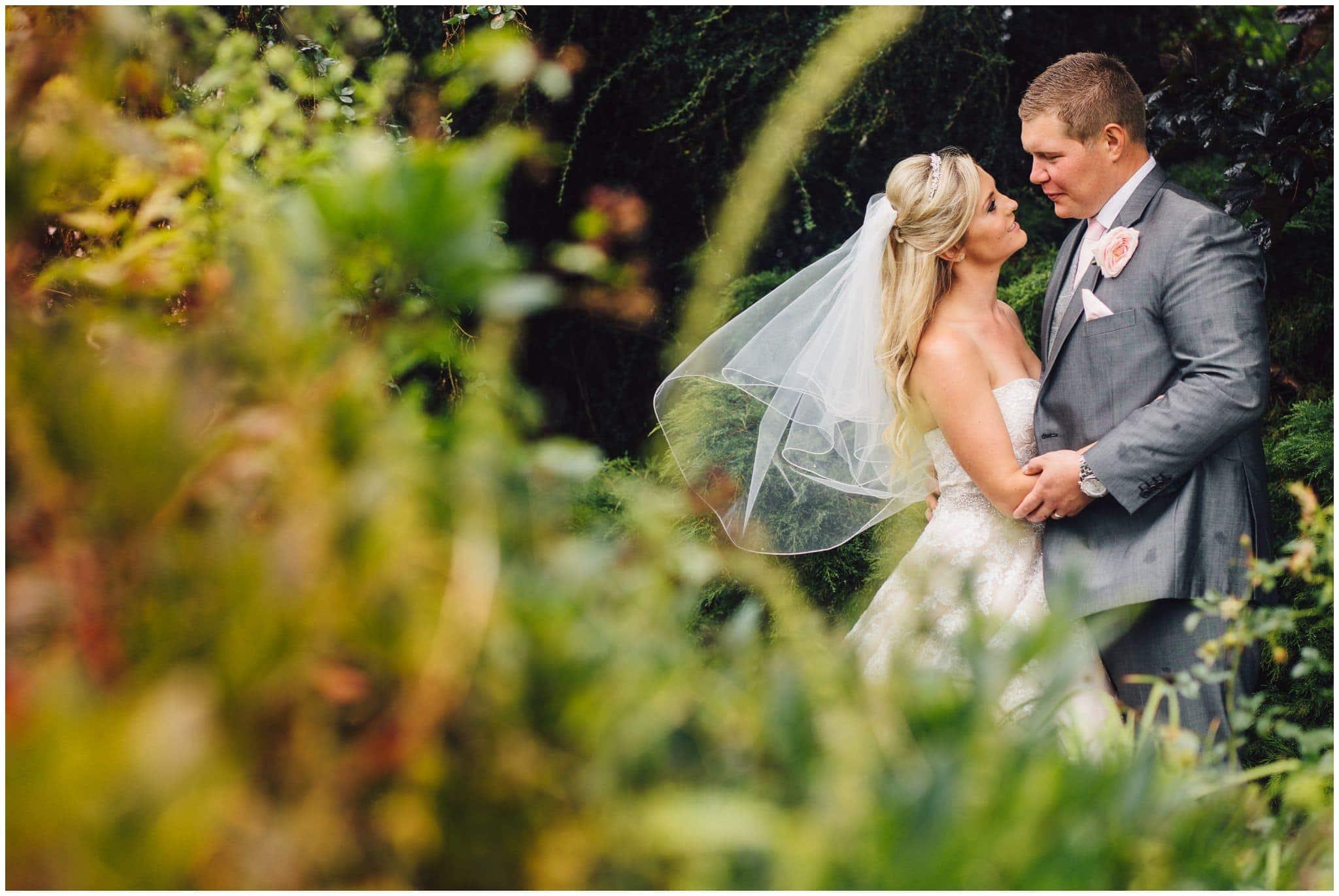 blithfield-lakeside-barns-wedding-photographer-beckythomas-339