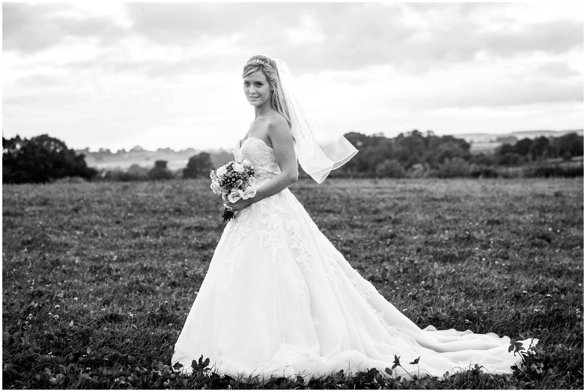 blithfield-lakeside-barns-wedding-photographer-beckythomas-444