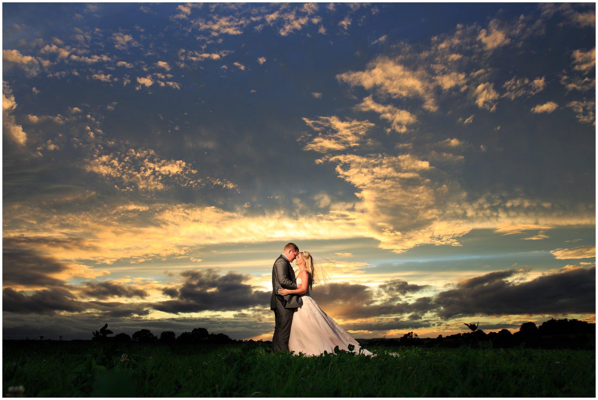 blithfield-lakeside-barns-wedding-photographer-beckythomas-445