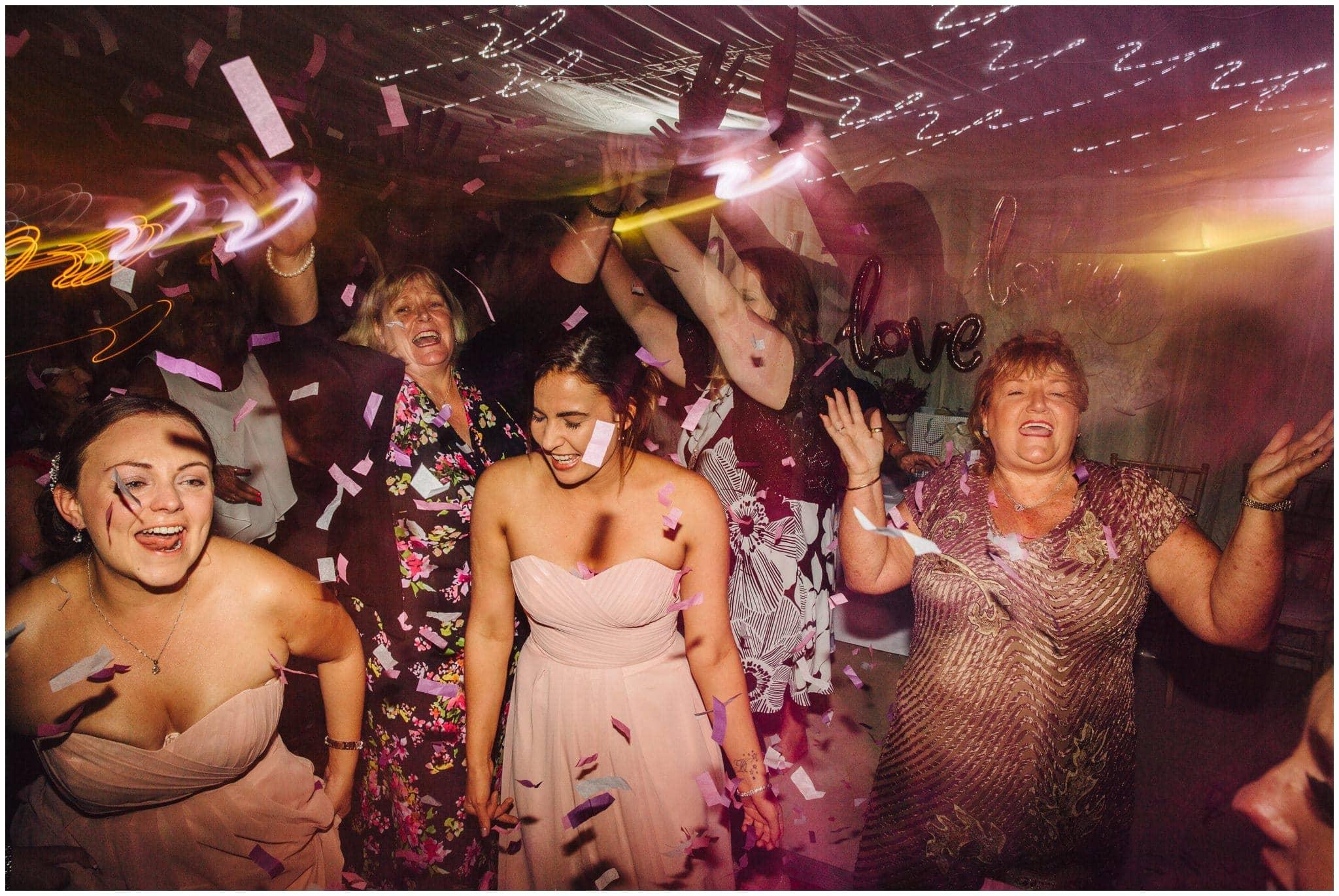 blithfield-lakeside-barns-wedding-photographer-beckythomas-463