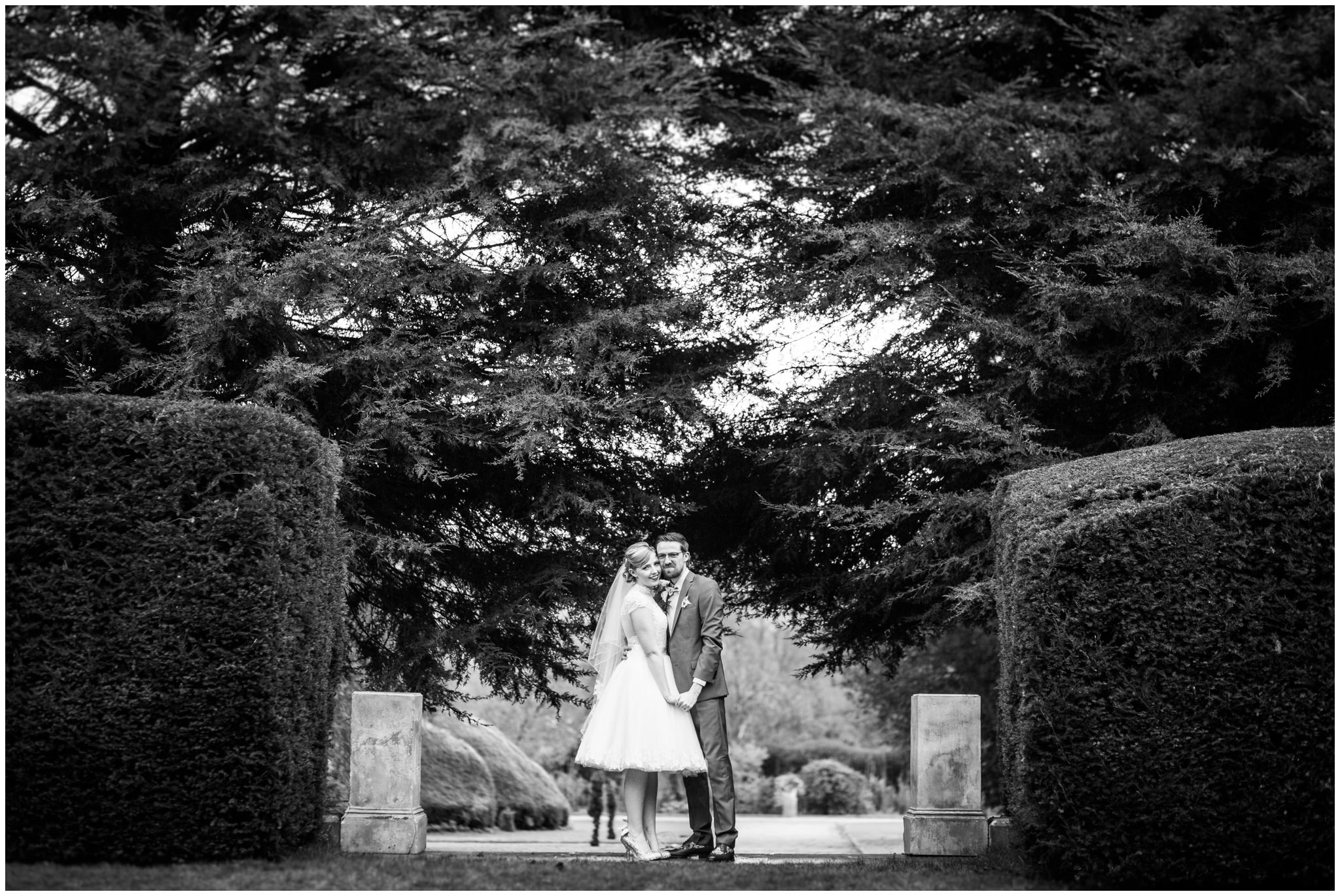 097-stoke-rochford-hall-wedding-photographer