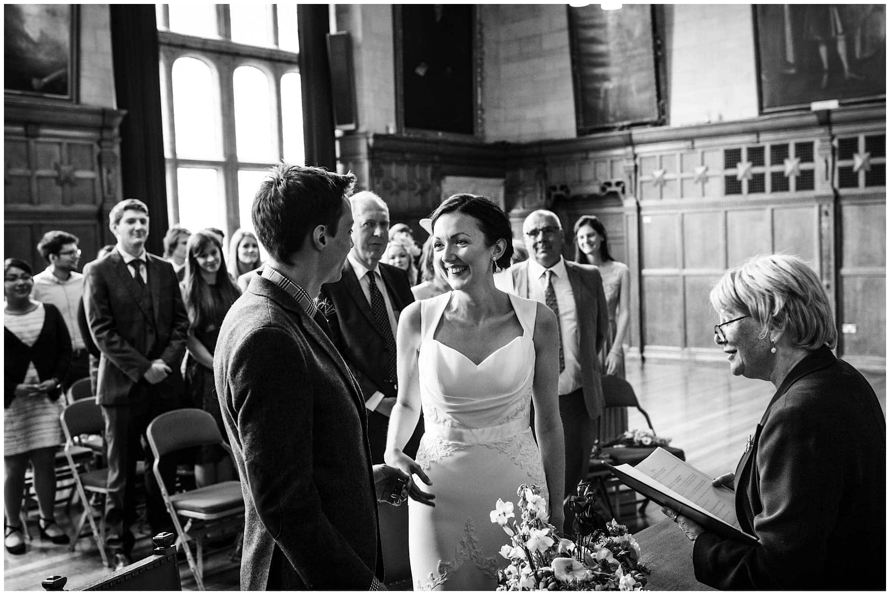 Oxfordshire wedding Photographer J S Coates Wedding Photography. Oxford Town Hall & The Perch Pub 34