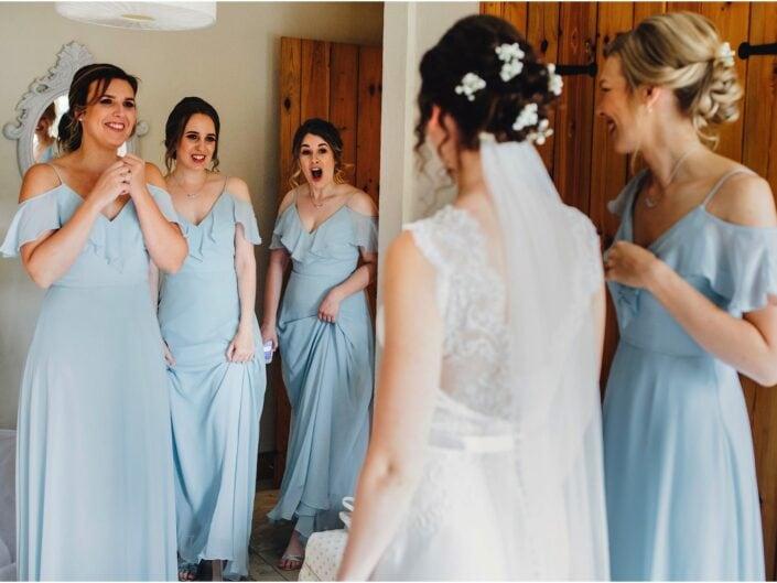 Natural Wedding Moments